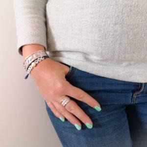 Bracelet rock mum au poignet