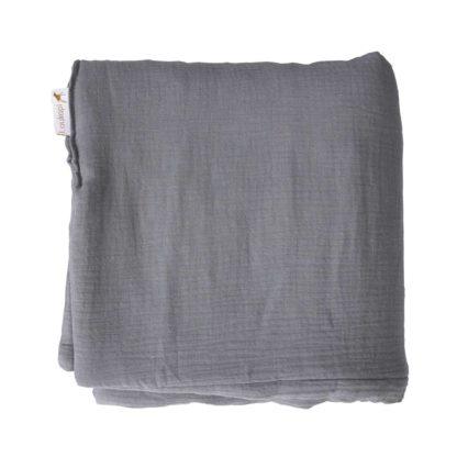 couverture pliée grise