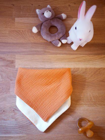 Joli bavoir orange