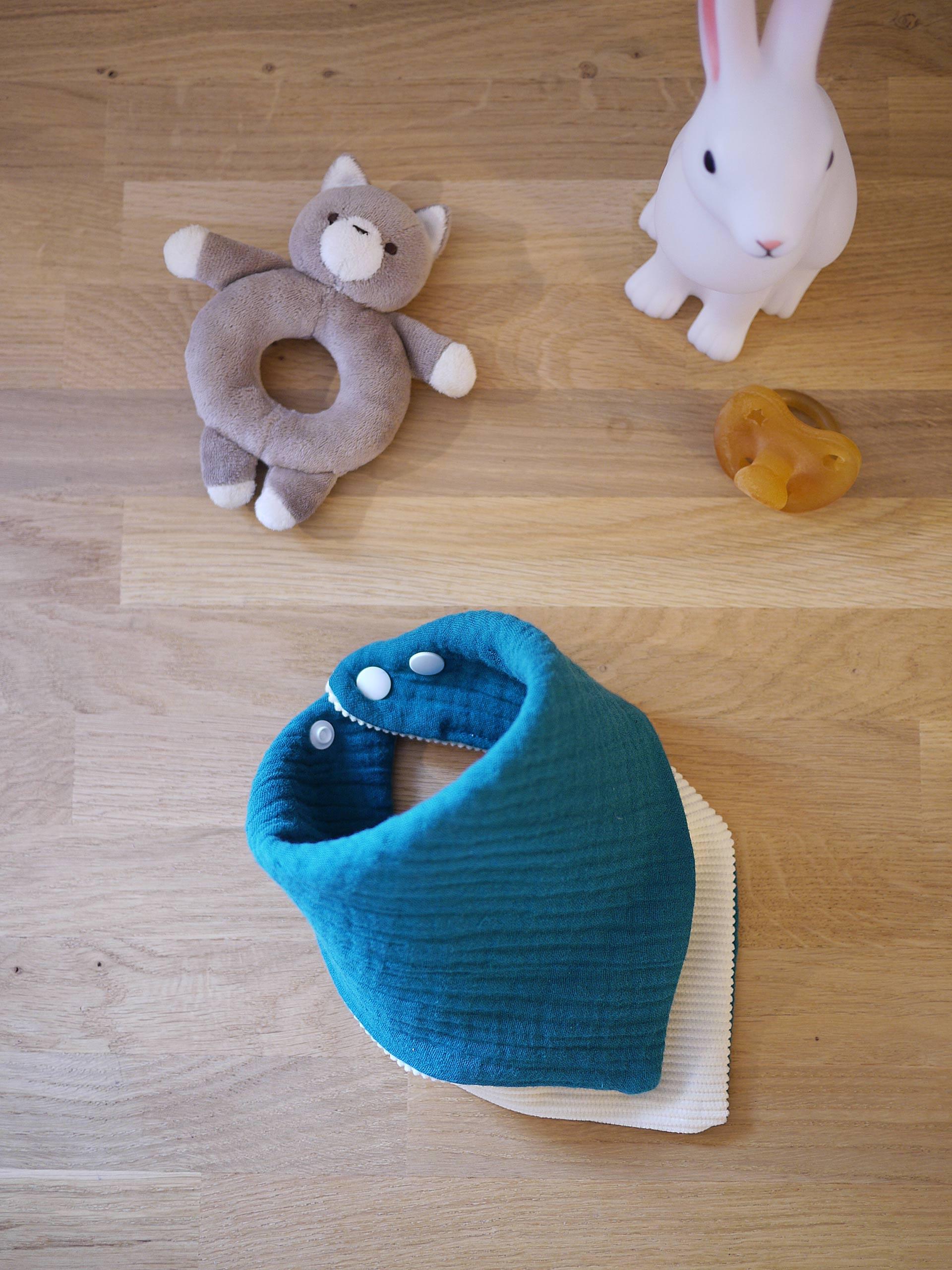 Bandana gaze de coton bleu paon bébé fait ses dents