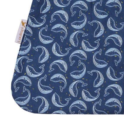 motif baleine étroilée du bavoir