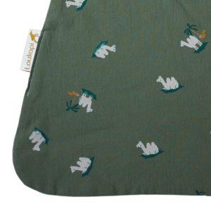 petit dromadaire sur une serviette magique
